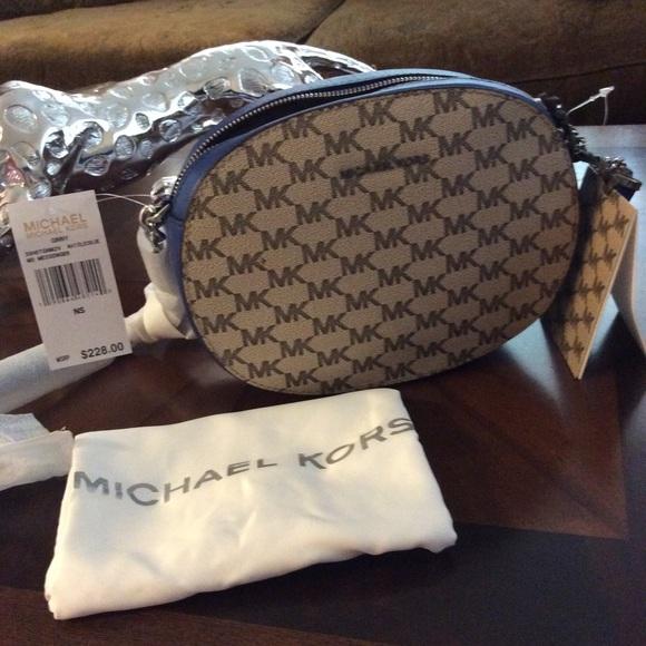 128381e54fcbb9 Michael Kors Bags | Ginny Medium Logo Crossbody | Poshmark